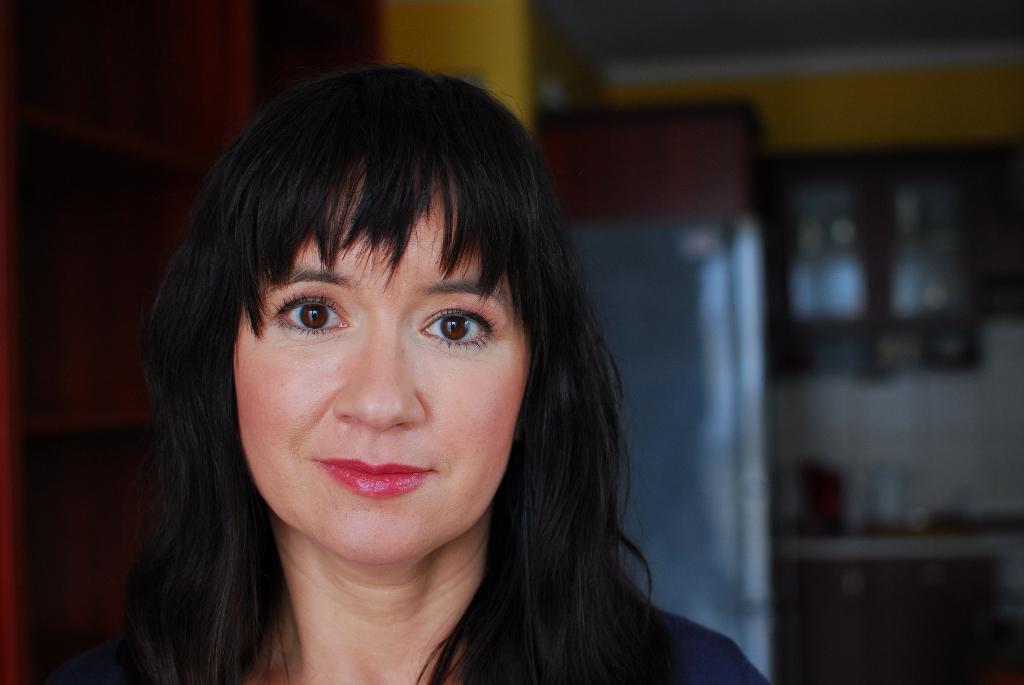 Rozwiązywałam ćwiczenia z gramatyki i słownictwa, jak inni rozwiązują krzyżówki… wywiad z Anną Mularczyk-Meyer
